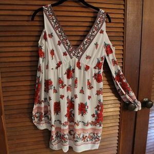 Open Shoulder Rose Print Tunic